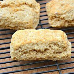 Eggless Whole Wheat Biscuits Sour Cream Biscuits, Sweet Potato Biscuits, Homemade Biscuits Recipe, Biscuit Recipe, Recipe Adjuster, Easy Drop Biscuits, Whole Wheat Biscuits, Biscuit Mix, C'est Bon