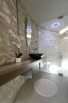 A new life for a little tower pr.aledolci&co ©martina mambrin #architecture #interiors #photography #gardalake #bathroom