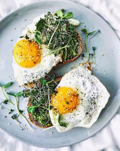 Sourdough toast + avo + microgreens + eggs = breakfast of champs. Egg Recipes For Breakfast, Brunch Recipes, Tailgating Recipes, Breakfast Toast, Barbecue Recipes, Barbecue Sauce, Grilling Recipes, Tartine Recipe, Cheesecake Cupcakes