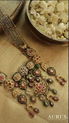 Indian Bridal Jewelry Kundan Jewels 34 Best Ideas You can find different rumors about the annals of the marriage dress; Royal Jewelry, India Jewelry, Indian Wedding Jewelry, Indian Bridal, Bridal Jewellery, Indian Weddings, Nizam Jewellery, Saree Jewellery, Pendant Jewelry
