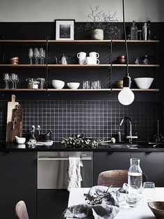 A cosa bisogna stare attenti nell'arredo di una cucina? #Architettura, #Arredare, #Casa, #ConsigliPerLaCasa, #Cucina, #Decorare, #Design, #Idee, #IdeePerRistrutturare, #InteriorDesign http://bit.ly/2iiCv5s
