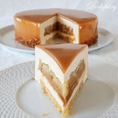 Entremets Pomme Caramel - Dodofairy Best Picture For trifle Desserts For Your Taste You are looking Trifle Desserts, Fancy Desserts, Apple Desserts, Fancy Cake, Entremet Recipe, Kreative Desserts, Cake Recipes, Dessert Recipes, Caramel Pudding