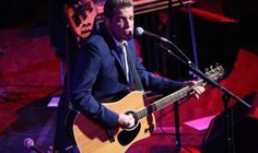 Glenn Frey Grammys tribute: The Eagles and Jackson Browne cover 'Take It Easy'
