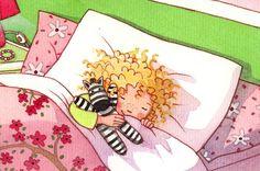 רעיון מקסים ילדה ישנה עם בובה