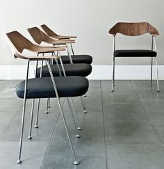 Leder - 675 Chair - by Robin Day