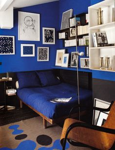 BLEU - Florence Lopez's Paris Apartment: WOI Oct 2011 *cp note - this woman is a hero, love the bed frame