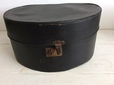 Vintage Hat Box - 1940s Black Hat Box - Vintage Black Case - Vintage Storage - Antique Case - 40s Vintage Clothing Storage - Black Hat Box