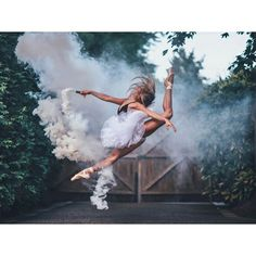 Isabella Fonte by Brandon Woelfel Smoke Bomb Photography, Dance Photography Poses, Dance Poses, Ballet Pictures, Dance Pictures, Rauch Fotografie, Dance Photo Shoot, Dance Photoshoot Ideas, Brandon Woelfel