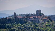 Civitella in Valdichiana castle is a hidden gem just few km south from Arezzo. It's surrounded by the typical Tuscany countryside with olive trees.