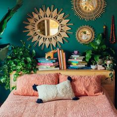 17 Old Bookcase and Dresser Paint Color Inspirations to Change the Entire Aesthetic of a Room - The Trending House Bedroom Green, Room Ideas Bedroom, Green Rooms, Eclectic Bedroom Decor, Quirky Bedroom, 70s Bedroom, Vintage Bedroom Decor, Aesthetic Bedroom, My New Room
