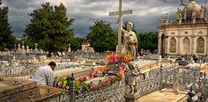 Tumba La Milagrosa, trágica historia en el Cementerio Colón - http://www.absolut-cuba.com/tumba-la-milagrosa-tragica-historia-en-el-cementerio-colon/