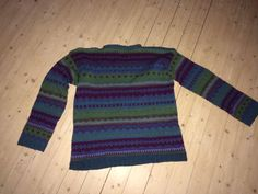 Strikka denne som 17 åring. Knitted This sweather Wien I was 17 years old.