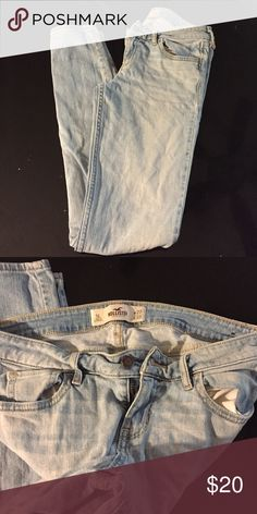 Hollister Jeans Size 5L.. Light colored.. Perfect condition.. Skinny leg. Hollister Pants Skinny