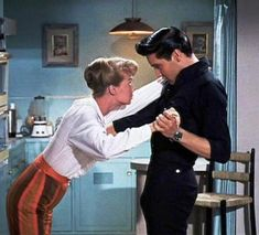"""THE WALLS HAVE EARS - Laurel Goodwin, Elvis Presley and """"little E"""" in """"Girls! Girls! Girls!"""" (Paramount) - 1962 