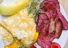 Reggeli testnek és léleknek   timicsicili H.Tímea receptje - Cookpad receptek Mashed Potatoes, Meat, Ethnic Recipes, Food, Red Peppers, Whipped Potatoes, Smash Potatoes, Essen, Meals