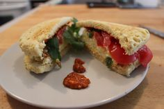Almond Omelet Sandwich Filled with Fried Egg and Tomato (dairy-free meatless) Paleo Food List, Paleo Meal Prep, Healthy Food, Bagels, Detox Recipes, Paleo Recipes, Nutrition, Foods To Avoid, Foods With Gluten