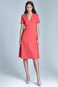 a083bd929d1 Elegantní šaty v barvě korálu Nife Pauline