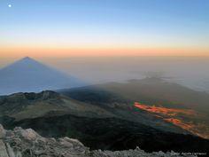 Amanecer y proyección de la sombra del Teide – Ruta Nº7 – La Cueva del Hielo – Montaña Blanca – Tenerife (2ª parte)