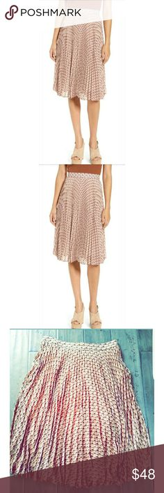 5de568d08 WAYF Scout Mosaic Print Pleated Skirt L You have great style! WAYF Skirts  Midi Spring
