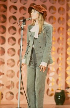 Marianne Faithfull on stage, circa 1960's. Born December 29, 1946 Marianne Evelyn Faithfull is an English singer, songwriter and actress, whose career has spanned six decades.