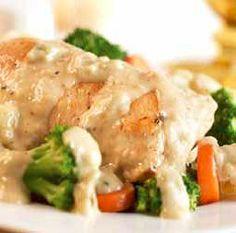Creamy Herb & Garlic Chicken over steamed Veggies! 315 Cals it's what's for dinner!  #Weightwatcherscheese I'm love the WW Cheese Ambassador job!