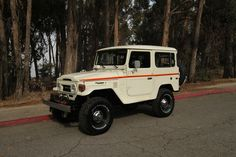 TOYOTA-LAND-CRUISER-FJ40-4X4-RESTORED-RARE-VINTAGE-TRUCK-4WD-H | Land Cruiser Of The Day!