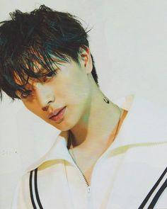H I A T U S Yook Sung Jae 육성재 (陸星材)🙆 • Maknae of BTOB • 2.5.1995 • I'm a Melody 🎶 ❤️예•지•잎•사❤️