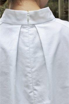pleats at back neck