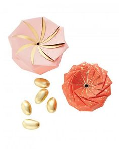 Gorgeous favor boxes for candy