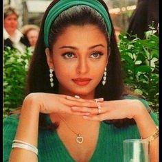 Actress Aishwarya Rai, Bollywood Actress, Aishwarya Rai Young, Aishwarya Rai Hairstyle, Aishwarya Rai Makeup, Aishwarya Rai Photo, Bollywood Outfits, Bollywood Fashion, Bollywood Makeup