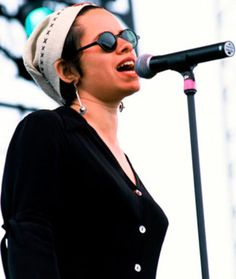 Natalie Merchant- my most favorite female singer. ever.