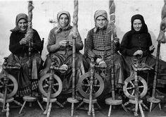1920-as évek. Rokkák és  asszonyok