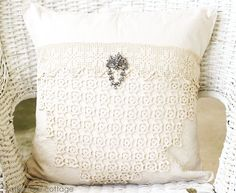 Vintage Lace Pillow Down/Feather