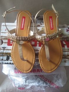 3204eac79ee4 Women Casual Sandals Luba Style Size 6 M Taupe Gold Color Unionbay New Cute