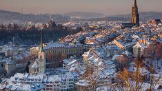Berna este capitala de facto a Elveției și totodată capitala cantonului Berna. Limba oficială este germană deși există o minoritate francofonă