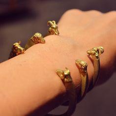 Animal attack (pulseras Circo) Animal Attack, Bangles, Bracelets, Gold, Jewelry, Fashion, Jewerly, Moda, Jewlery