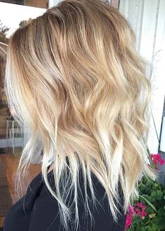 Medium Length Blonde Haircuts for 2018. Look at these fantastic ideas of medium length blonde haircuts for women to sport in 2018. If you are looking for your next gorgeous styles of medium haircuts then must visit here for best ideas of medium blonde hairstyles to wear in 2018. These are most popular ideas of medium hairstyles for every woman to create now.