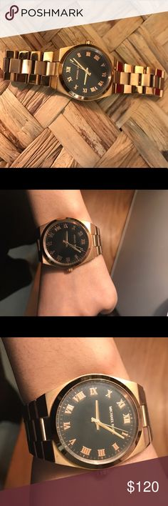 MICHAEL KORS WATCH IN ROSE GOLD Perfect rose gold watch with black dial. Very very classy and minimalist. Perfect to go with everything you wear. Sized in small. Some scratches on band as seen. Needs batteries! Michael Kors Accessories Watches