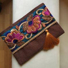 Brown Floral embrague, embrague de Bohemia, Boho bolso, bolso de la mujer, regalo para ella, embrague bohochic, regalo de Navidad