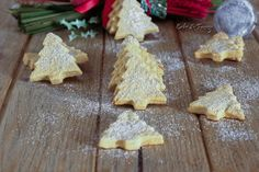 Biscotti di Natale all'arancia - Golosissimi e veloci da fare / Cake & Fancy Biscotti Cookies, Fancy, Christmas Cookies, Food And Drink, Desserts, Biscuits, Xmas Cookies, Tailgate Desserts, Deserts