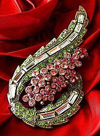 Crystal Rhinestone Paisley Design Vintage Estate Brooch Pin.