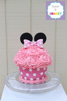 Minnie Mouse Giant Cupcake - Smash Cake by Sweet & Snazzy https://www.facebook.com/sweetandsnazzy