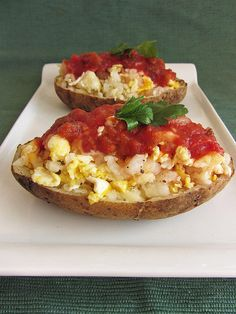 """These breakfast potato """"boats"""" look like such fun and completely scrumptious!"""