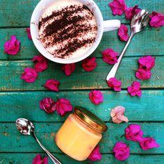 Tiramisu and mango mousse Mango Mousse, Tiramisu, Panna Cotta, Sweets, Ethnic Recipes, Food, Dulce De Leche, Gummi Candy, Candy