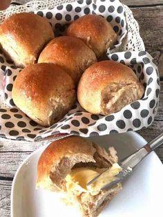 Pin by Constanza Villarroel on Recetas para cocinar Pan Dulce, Bread Recipes, Baking Recipes, Healthy Baking, Healthy Recipes, Zucchini Ravioli, Perfect Pizza, Pan Bread, Vegan Thanksgiving