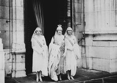 Queen Victoria Eugenia of Spain | Queen Victoria Eugenia of Spain with her daughters Infanta Maria ...