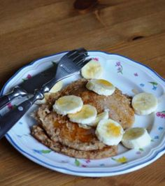 Vegan Oatmeal Pancakes: 1/3 cup quick oats, 1/3 cup water, 2 tsps honey or maple syrup or coconut sugar,  1/2 tsp cinnamon, 1/2 tsp baking powder (optional), 1 dash salt (optional)