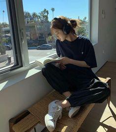 Korean Aesthetic, Aesthetic Photo, Aesthetic Girl, Aesthetic Clothes, Korean Outfits, Mode Outfits, Fashion Outfits, Girl Fashion, Girl Photography
