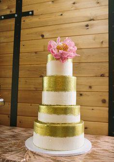 Boho Texas wedding   photo by Brooke Schwab Photography   100 Layer Cake