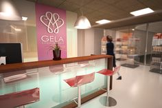 Diseño interior para Clinica de Belleza by Jose Mayan Quintos, via Behance